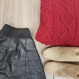 Zara faux leather pleated sz M skirt